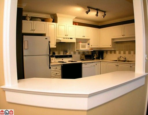 "Photo 5: Photos: 302 5419 201A Street in Langley: Langley City Condo for sale in ""Vista Gardens"" : MLS®# F2928069"