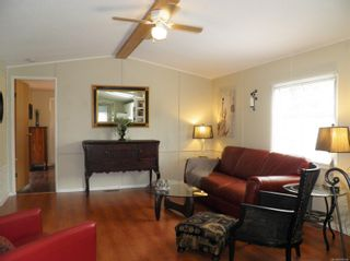 Photo 4: 56 390 Cowichan Ave in : CV Courtenay East Manufactured Home for sale (Comox Valley)  : MLS®# 878554
