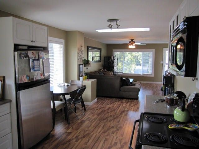 """Photo 4: Photos: 11790 97TH Avenue in Surrey: Royal Heights House for sale in """"ROYAL HEIGHTS"""" (North Surrey)  : MLS®# F1414651"""