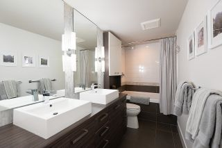 """Photo 21: 528 1783 MANITOBA Street in Vancouver: False Creek Condo for sale in """"Residences at West"""" (Vancouver West)  : MLS®# R2595306"""
