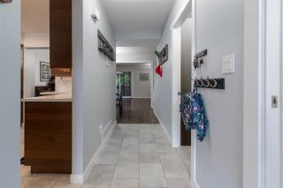 Photo 3: 128 10732 GUILDFORD Drive in Surrey: Guildford Townhouse for sale (North Surrey)  : MLS®# R2405909