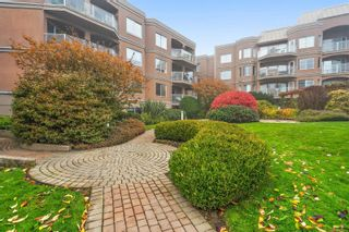 Photo 3: 206 405 Quebec St in : Vi James Bay Condo for sale (Victoria)  : MLS®# 859612