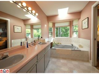 """Photo 7: 5986 SOUTHPARK Grove in Surrey: Panorama Ridge House for sale in """"BOUNDARY PARK"""" : MLS®# F1023569"""