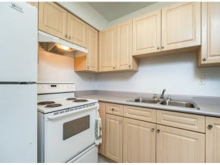 """Photo 3: 805 9274 122ND Street in Surrey: Queen Mary Park Surrey Townhouse for sale in """"WHISPERING CEDARS"""" : MLS®# F1425476"""
