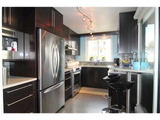 "Photo 4: 704 410 CARNARVON Street in New Westminster: Downtown NW Condo for sale in ""CARNARVON PLACE"" : MLS®# V1075370"