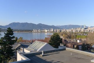 """Photo 16: 205 2428 W 1ST Avenue in Vancouver: Kitsilano Condo for sale in """"NOBLE HOUSE"""" (Vancouver West)  : MLS®# R2450860"""