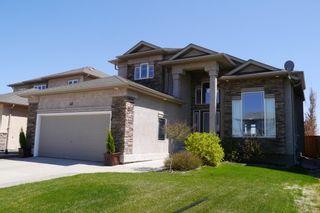 Photo 1: 42 Vadeboncoeur Drive in Winnipeg: River Park South Single Family Detached for sale (South Winnipeg)  : MLS®# 1513225