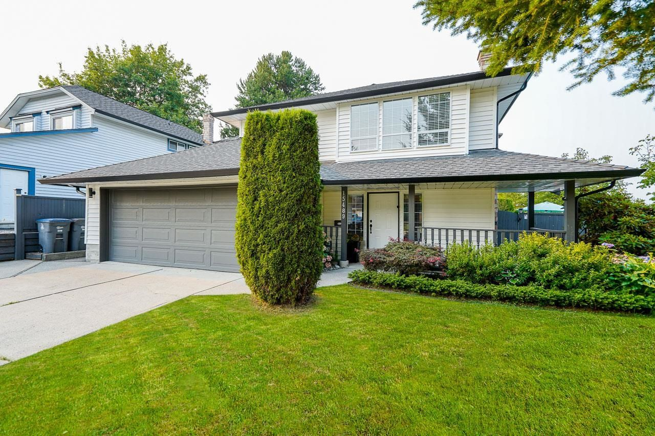 Main Photo: 15489 92A Avenue in Surrey: Fleetwood Tynehead House for sale : MLS®# R2611690