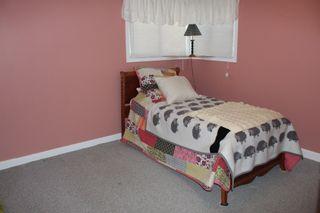 Photo 15: 625 10th Avenue: Montrose House for sale