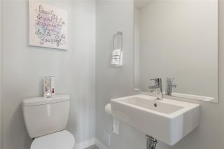 """Photo 17: 36 8138 204 Street in Langley: Willoughby Heights Townhouse for sale in """"Ashbury & Oak"""" : MLS®# R2503833"""