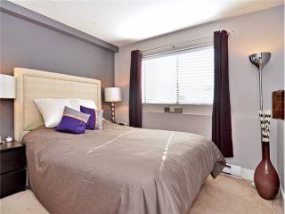 """Photo 9: 101 2045 FRANKLIN Street in Vancouver: Hastings Condo for sale in """"HARBOUR MOUNT"""" (Vancouver East)  : MLS®# V1049075"""