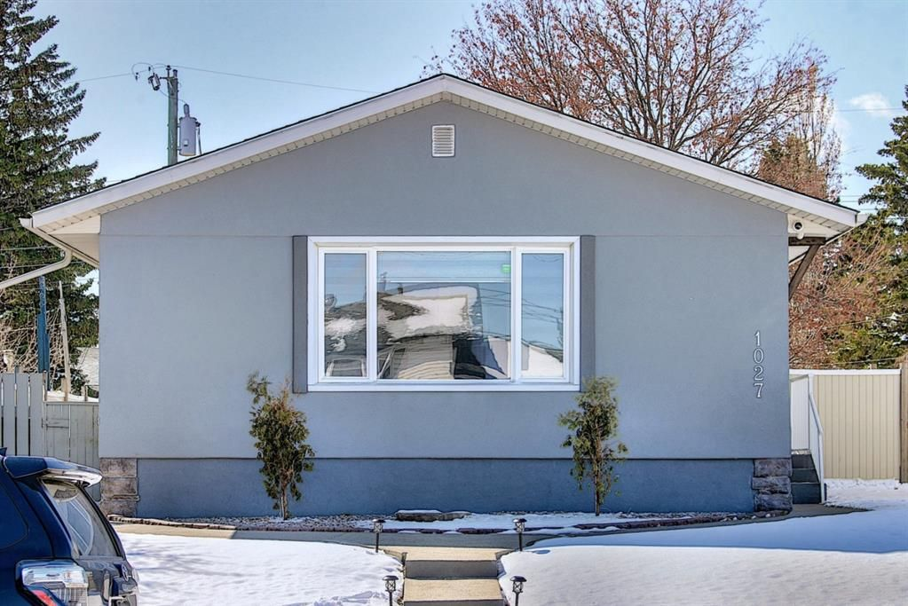 Main Photo: 1027 Penrith Crescent SE in Calgary: Penbrooke Meadows Detached for sale : MLS®# A1104837