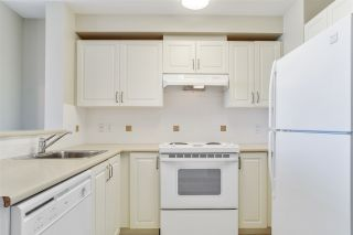 """Photo 7: 805 2799 YEW Street in Vancouver: Kitsilano Condo for sale in """"TAPESTRY AT ARBUTUS WALK"""" (Vancouver West)  : MLS®# R2481929"""
