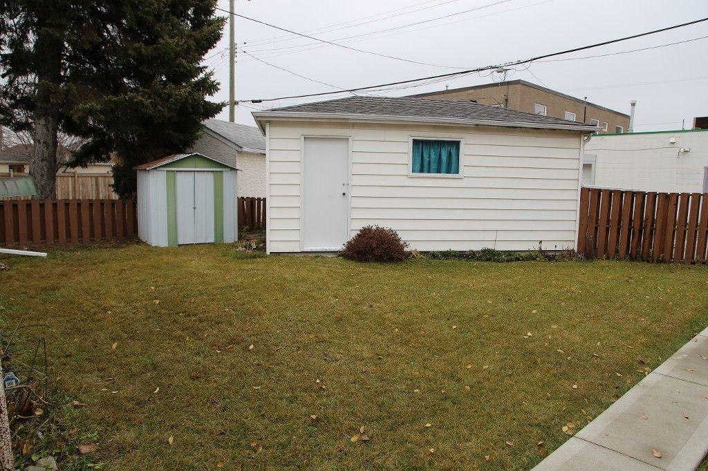 Photo 22: Photos: 899 Clifton Street in Winnipeg: West End Single Family Detached for sale (West Winnipeg)  : MLS®# 1529435