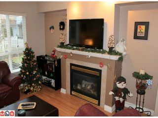 """Photo 6: 23 6513 200TH Street in Langley: Willoughby Heights Townhouse for sale in """"LOGIN CREEK"""" : MLS®# F1129284"""