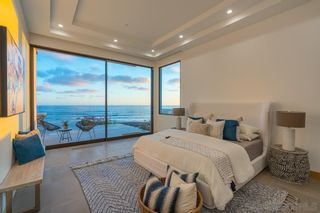 Photo 16: House for sale : 7 bedrooms : 5220 Chelsea St in La Jolla