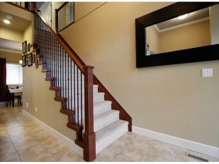 Photo 2: 8471 BAILEY PL in Mission: Mission BC House for sale : MLS®# F1415065