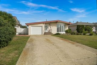Photo 3: 6908 86 Avenue in Edmonton: Zone 18 House for sale : MLS®# E4261942