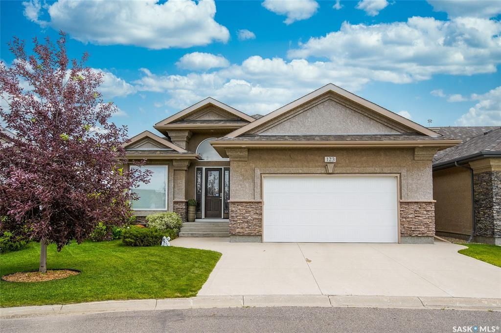 Main Photo: 123 201 Cartwright Terrace in Saskatoon: The Willows Residential for sale : MLS®# SK863416