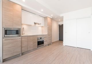 """Photo 13: 3107 13615 FRASER Highway in Surrey: Whalley Condo for sale in """"KING GEORGE HUB"""" (North Surrey)  : MLS®# R2617610"""