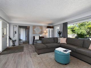 Photo 4: 3171 Carman St in Saanich: SE Camosun House for sale (Saanich East)  : MLS®# 850419