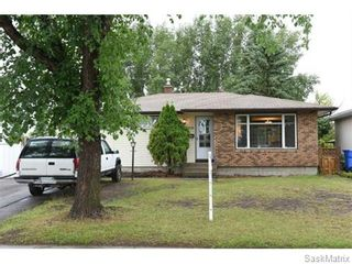Photo 1: 1026 DOROTHY Street in Regina: Normanview West Single Family Dwelling for sale (Regina Area 02)  : MLS®# 544219
