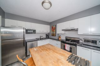 "Photo 10: 806 1500 HOWE Street in Vancouver: Yaletown Condo for sale in ""The Discovery"" (Vancouver West)  : MLS®# R2525498"