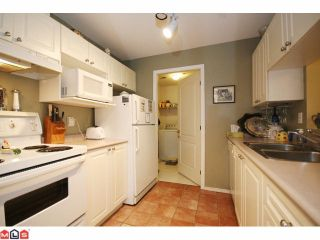 """Photo 5: 215 5765 GLOVER Road in Langley: Langley City Condo for sale in """"COLLEGE COURT"""" : MLS®# F1013966"""