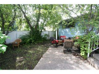 Photo 15: 4036 CHATHAM Place NW in CALGARY: Charleswood Residential Detached Single Family for sale (Calgary)  : MLS®# C3630774