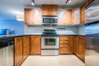 """Photo 4: 204 415 E COLUMBIA Street in New Westminster: Sapperton Condo for sale in """"SAN MARINO"""" : MLS®# R2339383"""