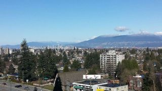 Photo 2: 1203 5790 PATTERSON Avenue in Burnaby: Metrotown Condo for sale (Burnaby South)  : MLS®# R2447744