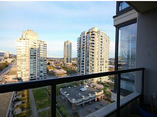"""Photo 7: 1104 4118 DAWSON Street in Burnaby: Brentwood Park Condo for sale in """"Tandem 1"""" (Burnaby North)  : MLS®# V1057568"""