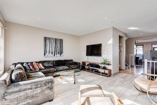 Photo 2: 2203 13 Street NW in Calgary: Capitol Hill Semi Detached for sale : MLS®# A1151291