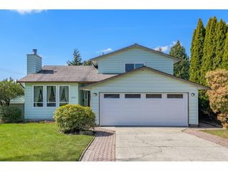 Main Photo: 8405 154 Street in Surrey: Fleetwood Tynehead House for sale : MLS®# R2561652