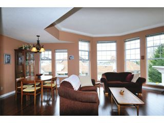 """Photo 5: 308 22611 116TH Avenue in Maple Ridge: East Central Condo for sale in """"ROSEWOOD COURT"""" : MLS®# V1058553"""
