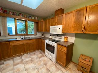 Photo 2: 306 CRYSTAL SPRINGS Close: Rural Wetaskiwin County House for sale : MLS®# E4247177