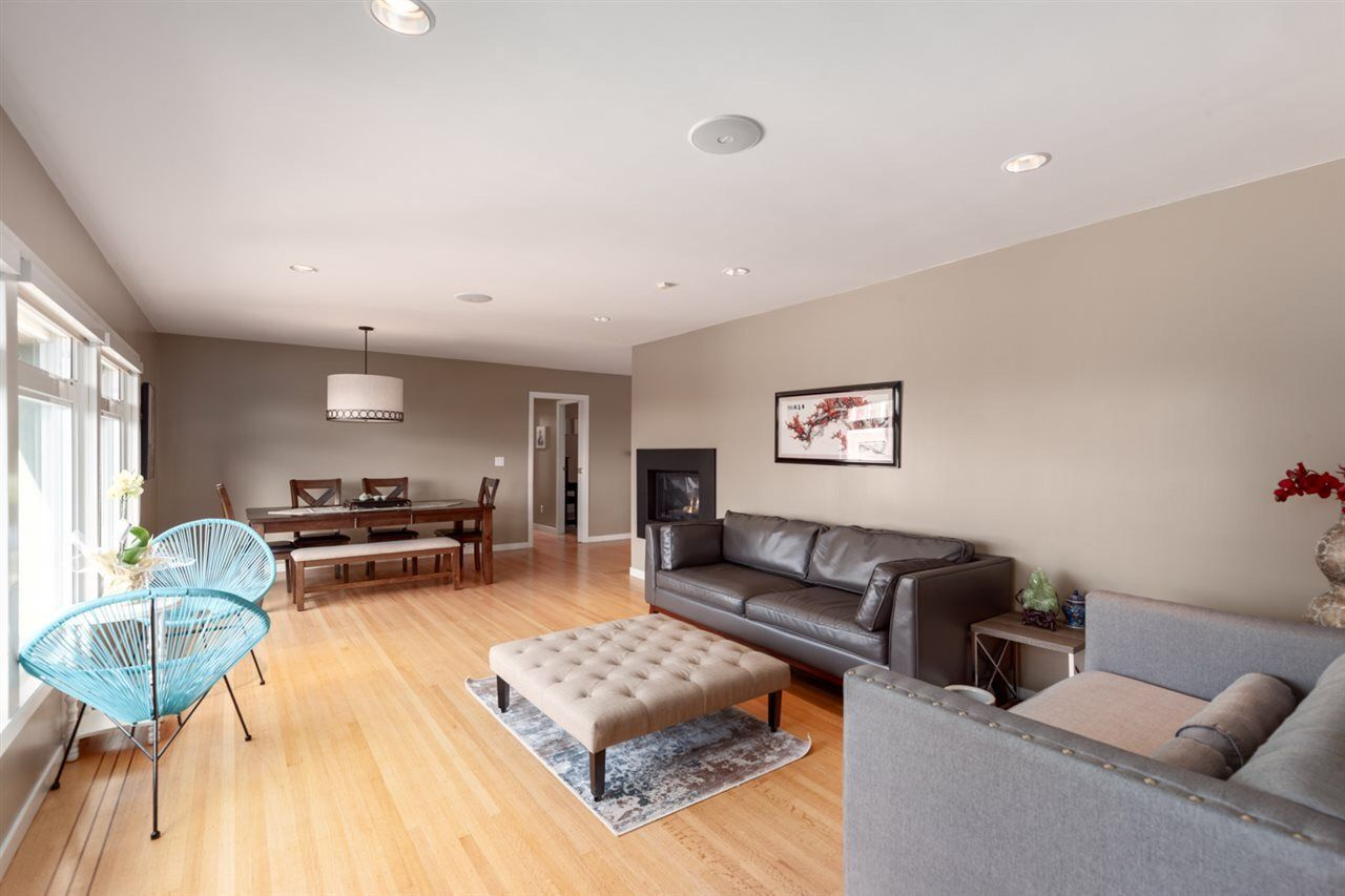 Photo 2: Photos: 4482 RUSKIN PLACE in North Vancouver: Forest Hills NV House for sale : MLS®# R2401876