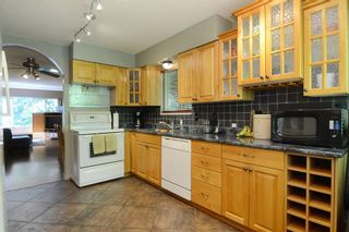 Photo 8: 1401 WINSLOW Avenue in Coquitlam: Central Coquitlam House for sale : MLS®# R2178308