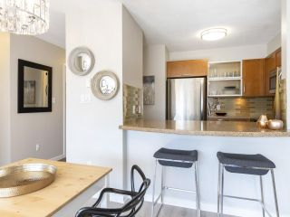 "Photo 7: 302 3161 W 4TH Avenue in Vancouver: Kitsilano Condo for sale in ""Bridgewater"" (Vancouver West)  : MLS®# R2443510"