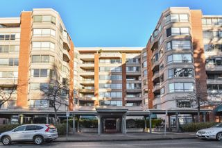 """Photo 2: 603 15111 RUSSELL Avenue: White Rock Condo for sale in """"Pacific Terrace"""" (South Surrey White Rock)  : MLS®# R2612758"""