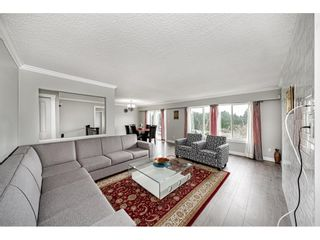 """Photo 6: 18463 56 Avenue in Surrey: Cloverdale BC House for sale in """"CLOVERDALE"""" (Cloverdale)  : MLS®# R2531383"""