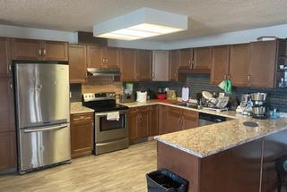 Photo 5: 9320 128 Ave in Edmonton: House Duplex for sale : MLS®# E4241336