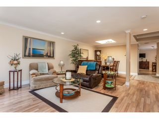 """Photo 5: 9769 148A Street in Surrey: Guildford Townhouse for sale in """"Chelsea Gate"""" (North Surrey)  : MLS®# R2394189"""