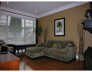 Photo 2: 255 E 13TH Avenue in Vancouver: Mount Pleasant VE Townhouse for sale (Vancouver East)  : MLS®# V685272