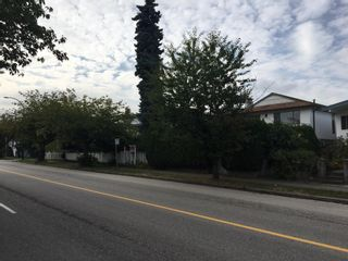 Photo 2: 55 E 49TH Avenue in Vancouver: Main House for sale (Vancouver East)  : MLS®# R2618970