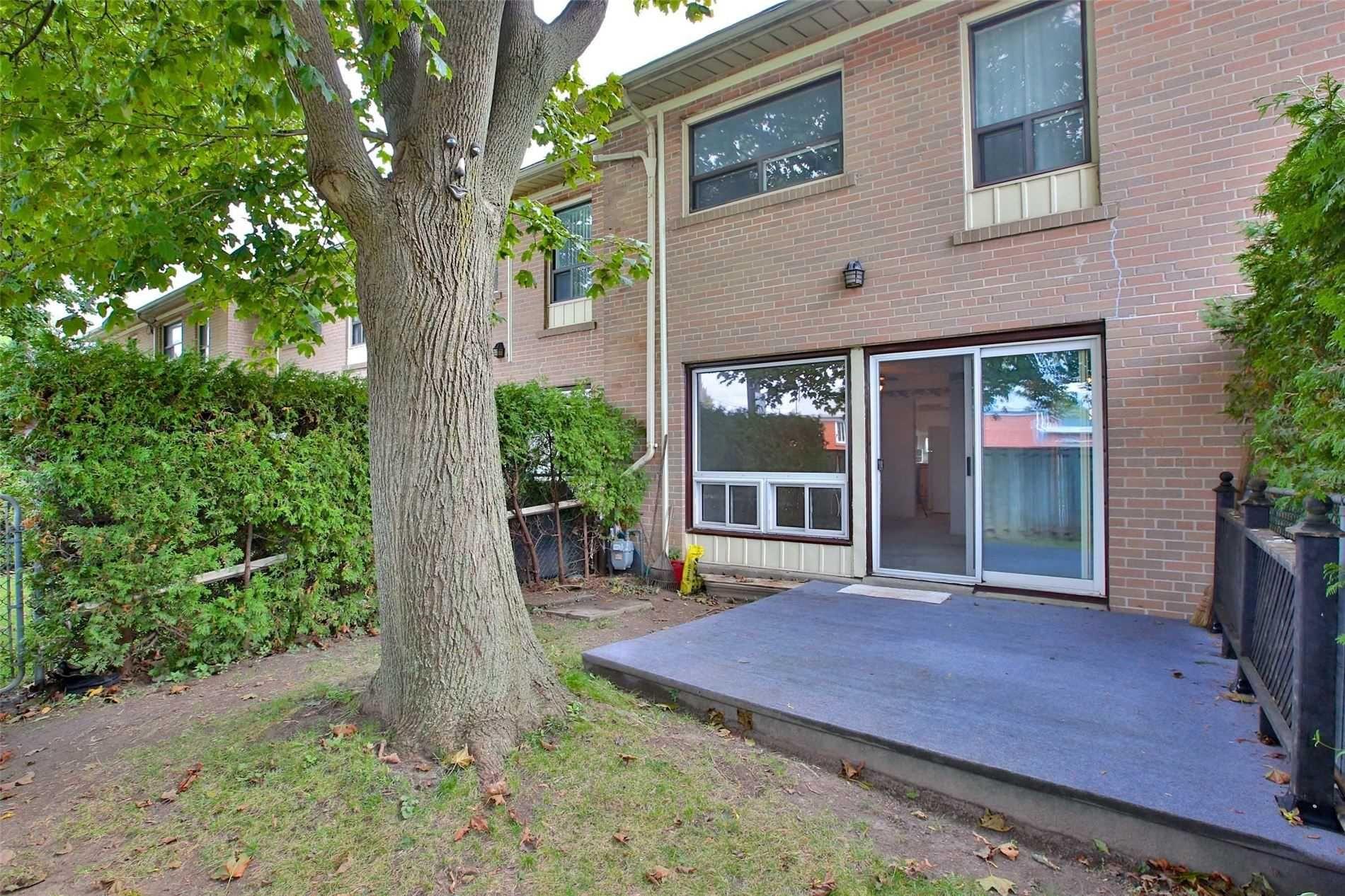 Photo 13: Photos: 8 695 Birchmount Road in Toronto: Kennedy Park Condo for sale (Toronto E04)  : MLS®# E4600623