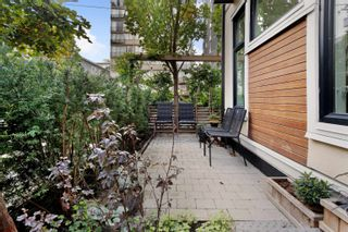Photo 3: 1080 NICOLA STREET in Vancouver: West End VW Townhouse for sale (Vancouver West)  : MLS®# R2622492