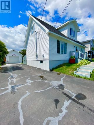 Photo 3: 33 second Avenue in Lewisporte: House for sale : MLS®# 1235599