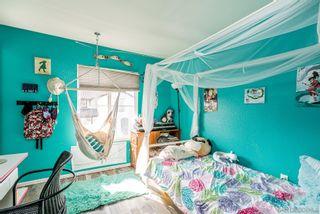 Photo 9: CHULA VISTA Townhouse for sale : 4 bedrooms : 2181 caminito Norina #132