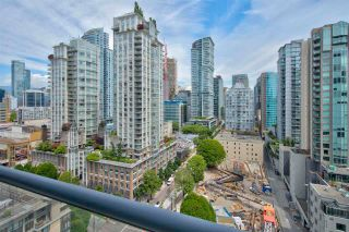 """Photo 4: 1803 928 RICHARDS Street in Vancouver: Yaletown Condo for sale in """"The Savoy"""" (Vancouver West)  : MLS®# R2591014"""